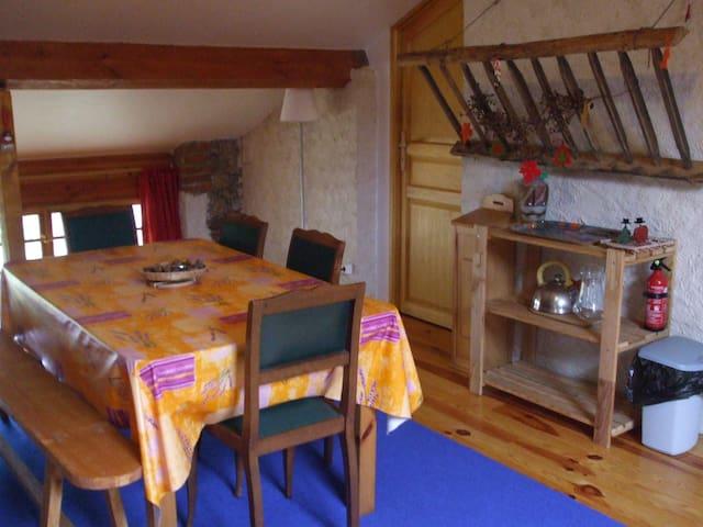 Saint-Rirand的民宿