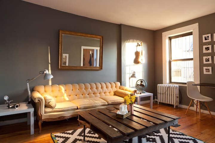 Williamsburg Penthouse Guestroom