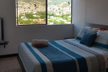 Comfortable room in Cali - Familiar flat