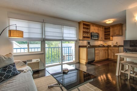 Beautiful Condo with Parking in Heart of Rehoboth!