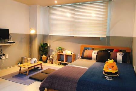 Seoul Sunday House  东大门公寓酒店(服装批发,都塔免税店,明洞地铁十分钟)