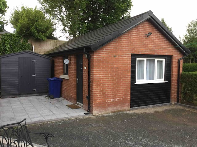 Cosy converted garage in a great location.