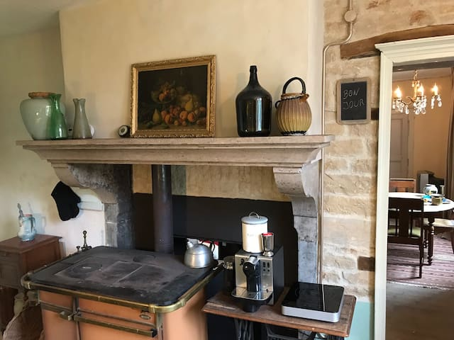 Charming and comfortable country house La Resaigne