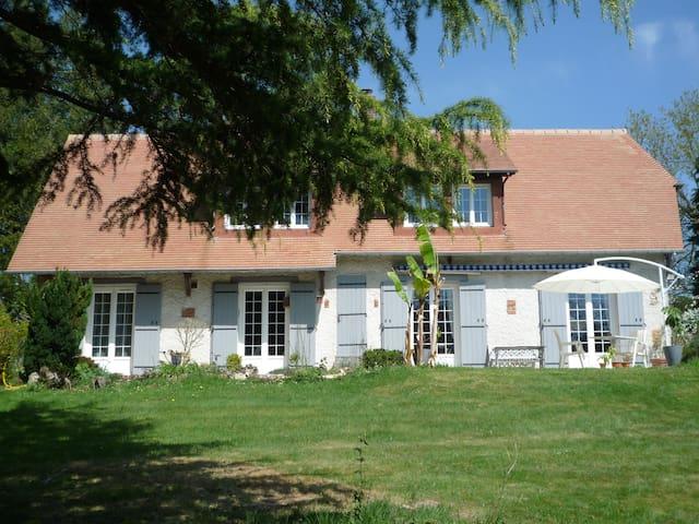Saint-Hymer的民宿