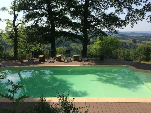 country retreat, glorious views, pool & fab food