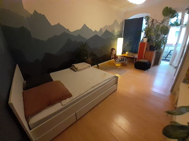 Well-located and cozy room in the heart of F-hain