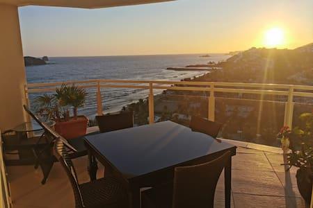 Exclusivo y elegante departamento con vista al mar