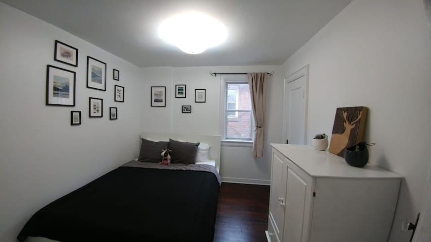 Bedroom in Roncesvalles/Parkdale Home