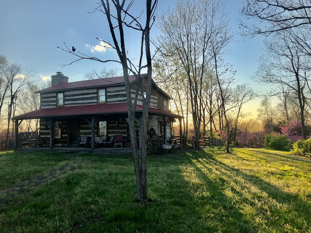 Cedar Ridge Farm - Rural Artist/Writer Retreat