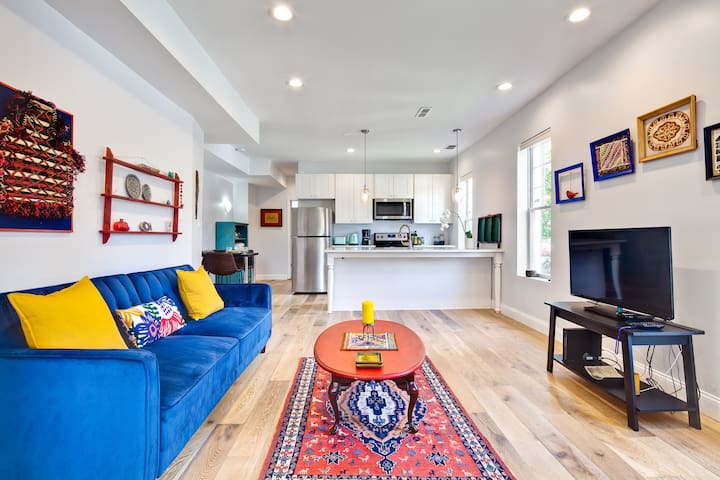 Vibrantly-curated New Apartment in a Hip Location