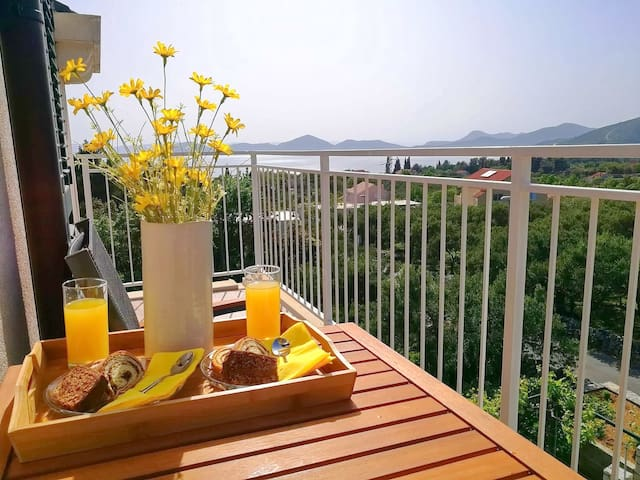 Apartments Kola - Two Bedroom Apartment with Balcony and Sea View (2)