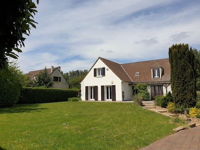 Garancières的民宿