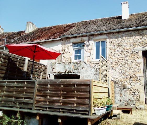 Saint-Jean-de-Trézy的民宿