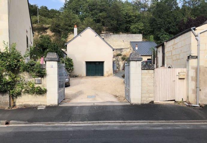 Fontevraud-l'Abbaye的民宿