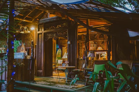 Kealakekua Bay Bali Cottage -steps from Bay