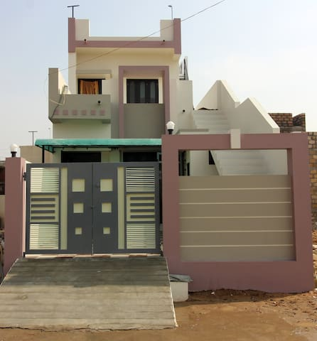 Dhrangadhra的民宿