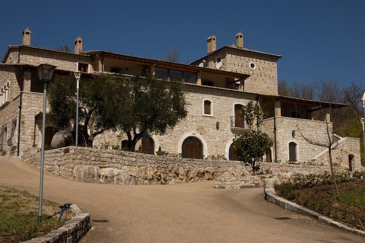 Villamaina的民宿