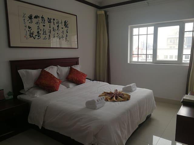 德百温泉酒店公寓 森林里 温泉旁的温馨一居室