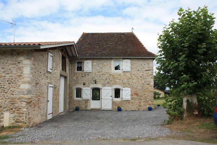 Castagnède的民宿