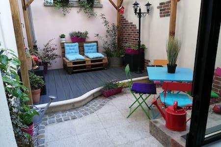 Le Loft d'Oscar et sa terrasse (parking possible)