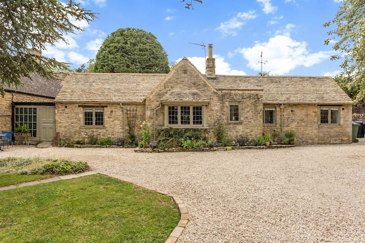 Scenic Family Home in Cotswolds