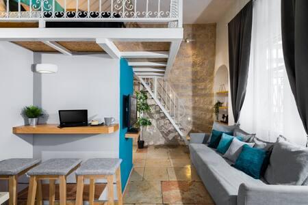 ☀Luxury Suite + Huge Balcony\\Market☀