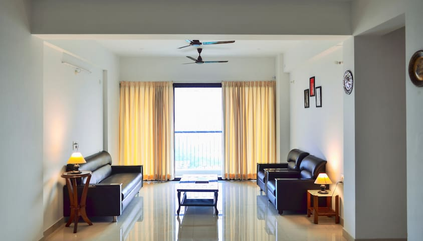 Private 3bhk Apartment Homestay near Vivanta Hotel