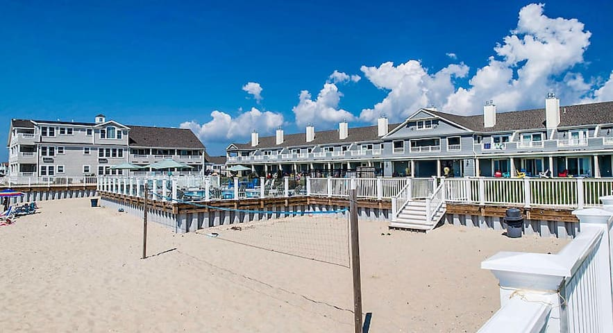 1BR @ BEACHFRONT Resort by Cape Cod Attractions