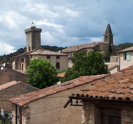Saint-Martin-de-Brômes的民宿