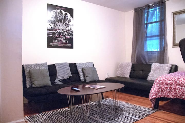 Affordable, Private, Simple & Clean NYC Flat!