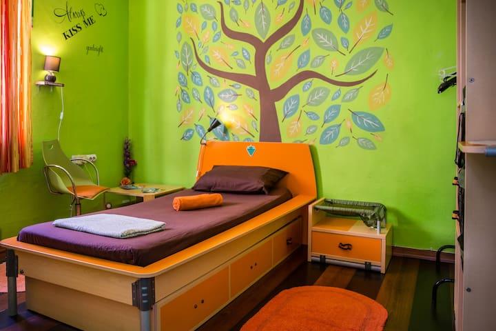 ~Lovely Single Bedroom~Sliema Centrally Located