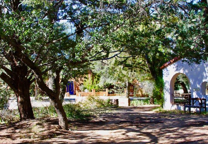 El Rancho Robles Historic Guest Ranch - Stable 8