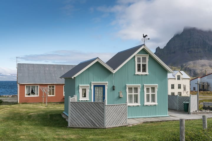 The Little House by the sea in the Westfjords