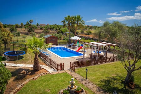 Country villa with pool and garden