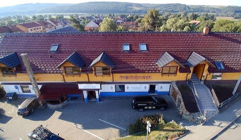 Hradčovice的民宿