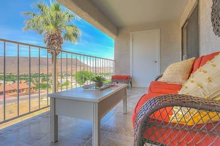 Stunning views! Condo at Las Palmas resort