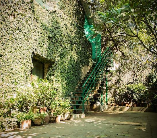Private bedroom. Hidden Gem in the heart of Pune.