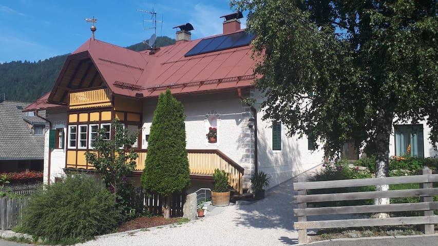 Rasen-Antholz的民宿