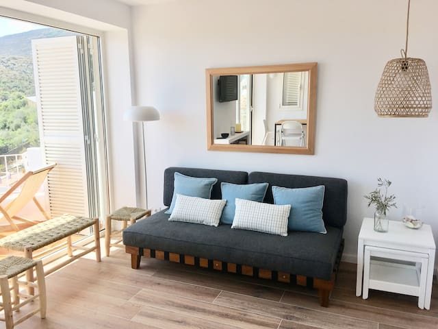 SES TERRASSES apartment: views, garden and parking