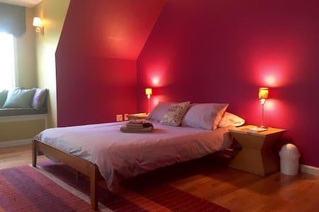 Peaceful Purple Room