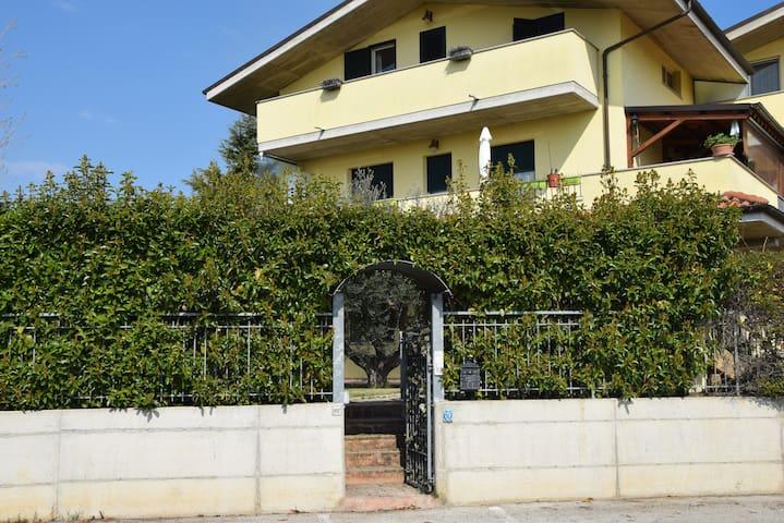 Citta' Sant'Angelo的民宿