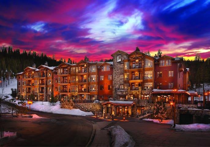 Northstar Ski-in Ski-out 2BR Villa