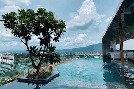 Astra Condo chiangmai 古城 塔佩门 天际泳池  51平超大房源