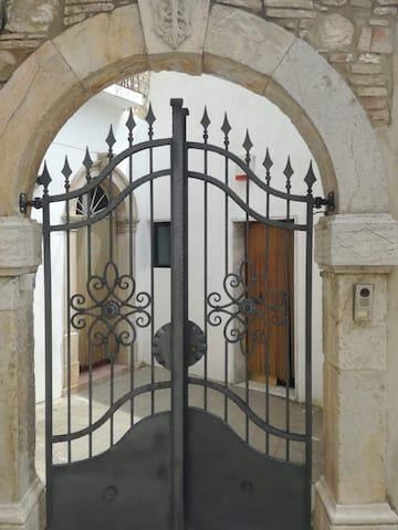 Sant'Agata di Puglia的民宿