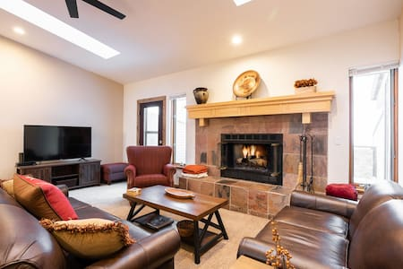 Brand New Listing! Perfect Family Mountain Getaway