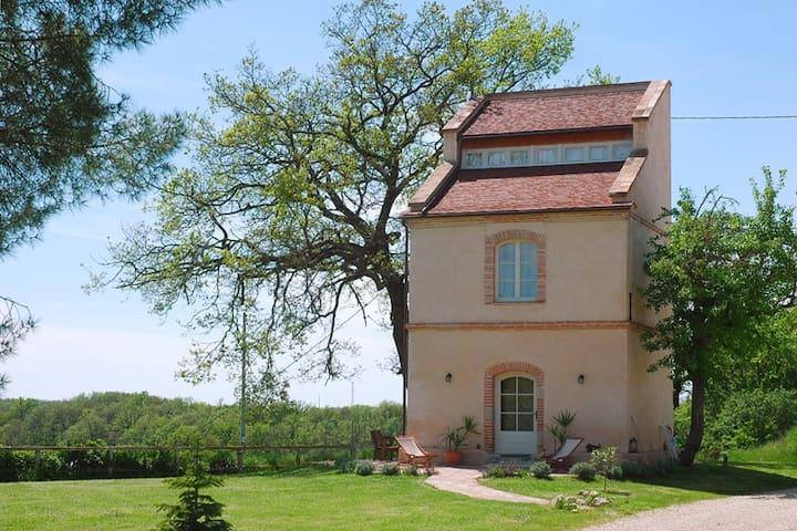 Beaumont-de-Lomagne的民宿