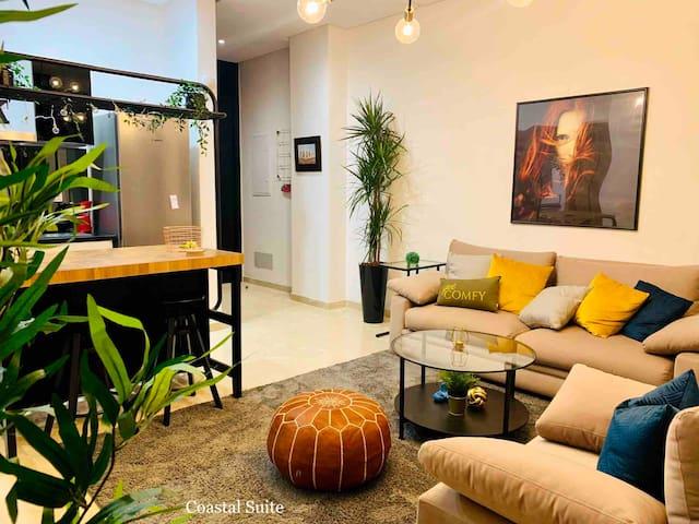 Central Apartment at the Marina - Coastal Suite