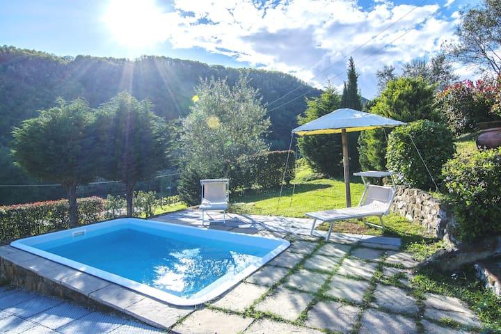 San Martino In Freddana-monsagr的民宿