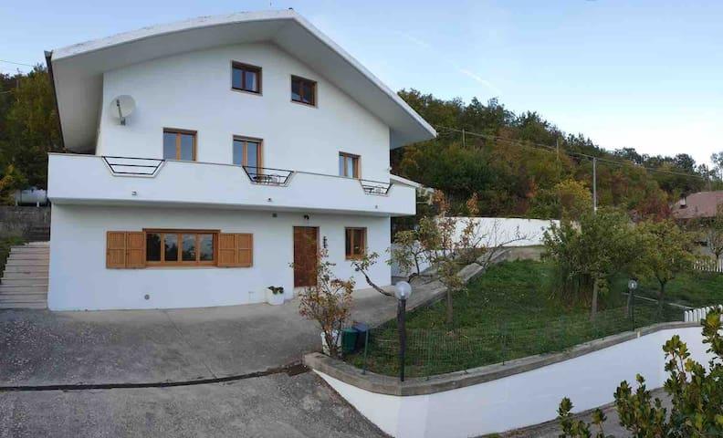 Villa Celiera 的民宿
