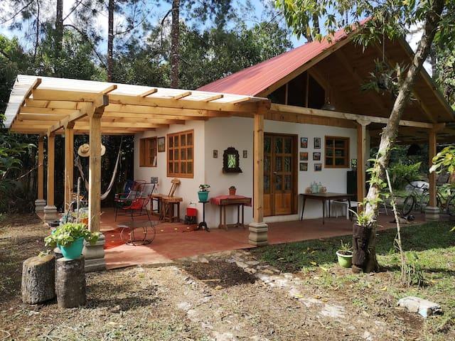 Santa Cruz Verapaz的民宿